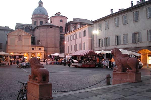 Umgebung Albergo Reggio   im Herzen der Altstadt von Reggio Emilia